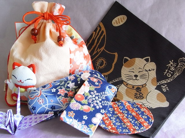 japanese maneki neko bag iphone 4 case