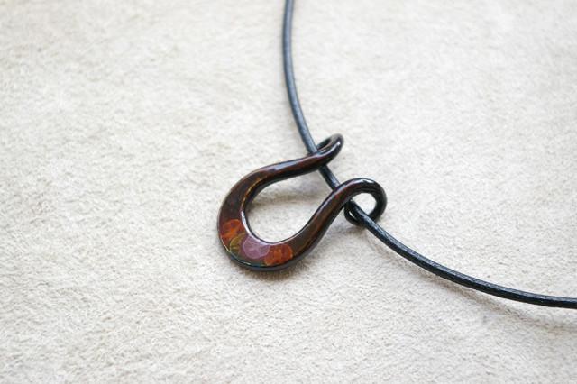 iron lacquer pendant