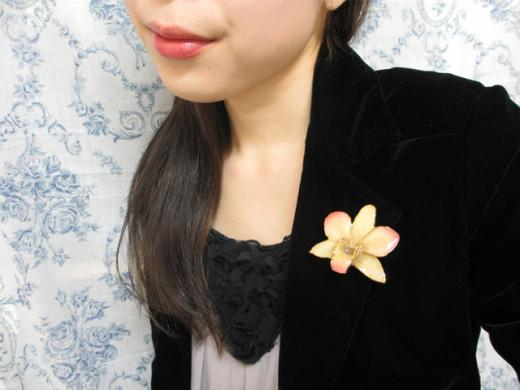 fresh flower brooch pin orchid
