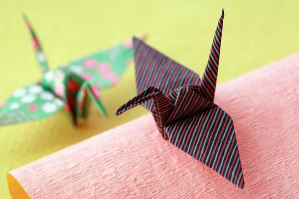Origami Cranes. (C) ailia