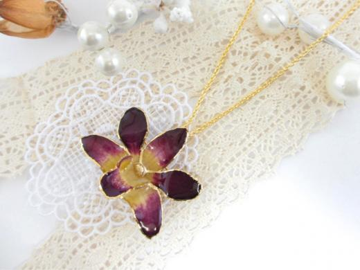 fresh flower pendant purple