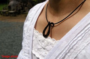 pendant_horseshoe_sakura