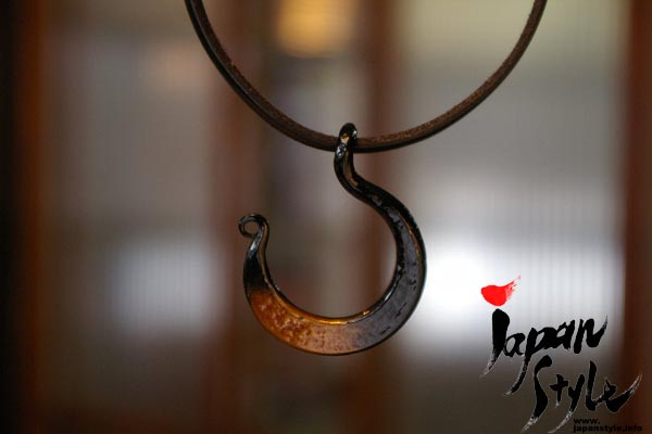 Japanese iron pendant moon