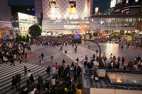"Shibuya Scramble Crossing. ""itchniba"" some rights reserved. flickr"