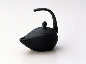 "Japanese Famous Ironware ""Iwachu"" Iron Tea Kettle"