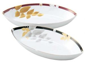 Japanese Pair of Leaf Shape Oval China Bowls