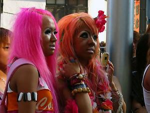 How to apply ganguro makeup