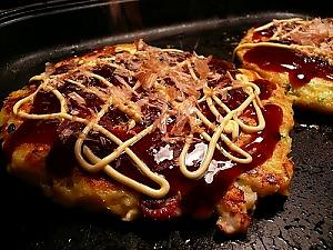 Gundam + Monk + Kyoto = Okonomiyaki Restaurant !? 