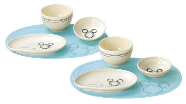 Pair of plates bowls small bowls and luncheon mats of Disney character Mickeyu0027s drawing design.  sc 1 st  Japan Style & Kawaii! Pair China Mickey Kids Plate Set disney | Japan Style