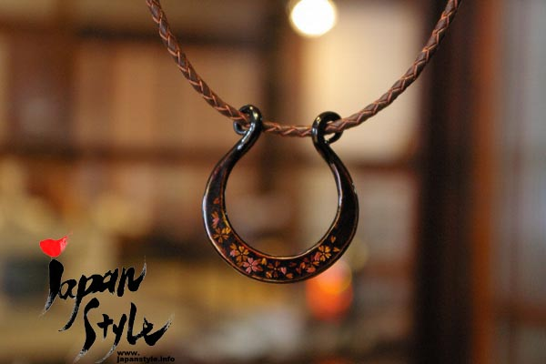 Japan iron lacquer pendant necklace sakura japan style japanese iron pendantsakura mozeypictures Images